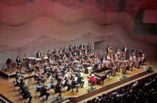 Nina Scheidmantel - Klavier, Symphonieorchester