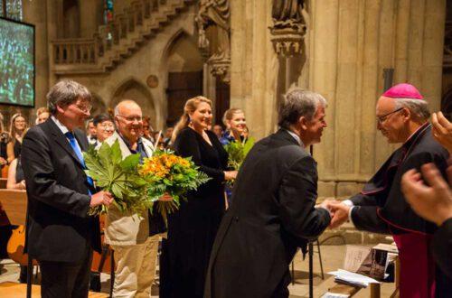 Roman Emilius, Kunibert Schäfer, Okka von der Damerau, Betsy Horne, Arn Goerke, Bischof Rudolf Voderholzer, Foto: Michaela Schmid