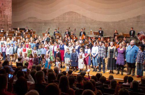 Schlussapplaus: Ensemble, Foto: Michaela Schmid